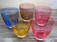 5 x 1950s Vintage Coloured Glass Tumbler – Mid Century Modernist Design – 5 diff. Colours – for Whiskey , Water & More – Barware von everglaze auf Etsy