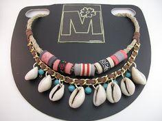 marymerche: collar conchas africanas. Tutorial Seashell Jewelry, Bohemian Jewelry, Diy Jewelry, Jewelery, Jewelry Accessories, Jewelry Design, Wood Necklace, Diy Necklace, Diy Earrings