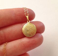 Small Gold Locket -Gold Locket Necklace -Round Gold Locket - Floral Victorian Brass Locket Necklace with Gold Fill Chain