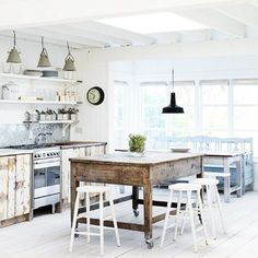 Boost your rental income with affordable, professional interior design help from #hypekeys #airbnb #homeaway #barcelona #