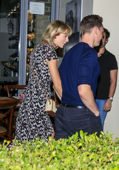 Taylor and Tom out for dinner on the Gold Coast, Australia 7.10.16