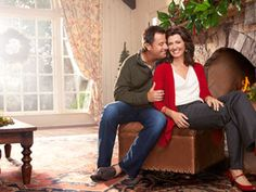 How country music superstars Amy Grant and Vince Gill are finding fresh meaning in the holiday this season. Amy Grant, Vince Gill, Country Music Singers, Celebs, Celebrities, Christmas Traditions, Family Photography, Superstar, Bell Bottom Jeans