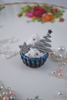 Black Silver Glittering Tree Cupcake Necklace