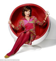 Antiques Roadshow presenter Fiona Bruce wears a Pucci print dress as she brings vintage fashion from the mid-twentieth century to the BBC show Beautiful Mess, Beautiful Women, Beautiful Celebrities, Fiona Bruce, Antiques Roadshow, Ugly Faces, Cool Chairs, Bar Chairs, Tv Presenters