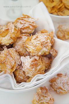 Cookie Recipe – Italian Butter Cookies – Useful Articles Italian Butter Cookies, Italian Cookie Recipes, Butter Cookies Recipe, Italian Desserts, Flake Recipes, Biscuits, Biscotti Cookies, Shot Recipes, Corn Flakes