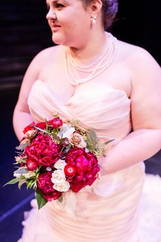 Romantic wedding bouquet idea - red + white bouquet with roses, ranunculus and greenery {Mathy Shoots People}