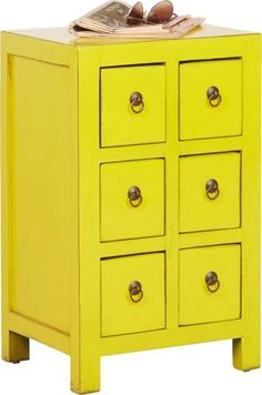 Trendige Kommode in sonnigem Gelb - ein Blickfang im Vintage-Stil
