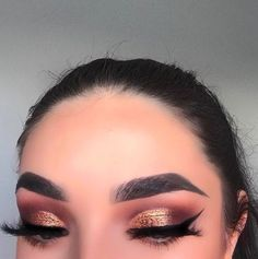 Bronze metallic eyeshadow