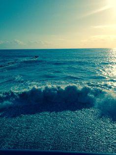Сочи.  Море.  Волны. Фото  Натальи  Гулиной.