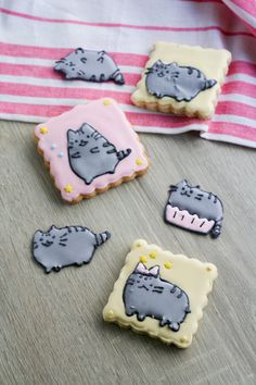 "How to make royal icing transfers for sugar cookies ~ So easy ~ via this blog, ""Clockwork Lemon""."