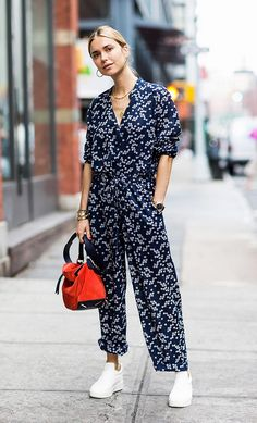 Quite possibly the easiest throw-on-and-go piece, a jumpsuit will always have a place in my closet. A trusty jumpsuit is great because you can dress it up and down so it will take you from… View Post Street Style Summer, Street Style Women, Older Women Fashion, Womens Fashion, Ladies Fashion, Casual Outfits, Fashion Outfits, Fashion Trends, Woman Outfits
