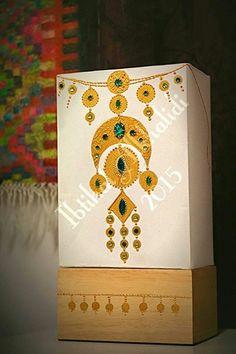 Eid Crafts, Ramadan Crafts, Dot Art Painting, Fabric Painting, Clay Wall Art, Arabian Art, Hand Painted Fabric, Homemade Art, Drawing Projects