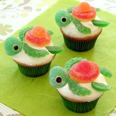 A great tutorial on how to make these turtle cupcakes! Squirt Happy Turtlecakes   Recipes   Spoonful
