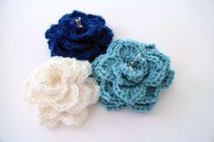 Crochet Crocodile Stitch Flower. Free pattern and pictorial. ༺✿Teresa Restegui http://www.pinterest.com/teretegui/✿༻