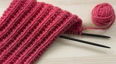 Muhkeaa ja joustavaa tunturineuletta kutsutaan myös valepatentiksi.Sitä on helppotehdä, sillä sinuntarvitsee osata neuloavain oikeita ja... Knitting Charts, Knitting Socks, Knitted Hats, Knitting Patterns, Turin, Yarn Projects, Knit Or Crochet, Handicraft, Diy Clothes