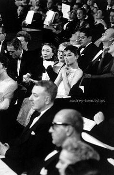 Time Tested Beauty Tips * Audrey Hepburn Forever *-Audrey-at-the-Oscars