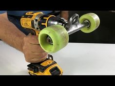 23 Clever DIY Christmas Decoration Ideas By Crafty Panda Woodworking Tools For Beginners, Best Woodworking Tools, Woodworking Videos, Woodworking Crafts, Woodworking Lathe, Homemade Tools, Diy Tools, Tool Storage, Clever Diy