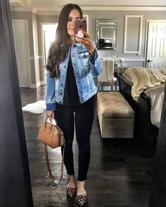 Flat Lays Come to Life - Jeansjacke Outfit Leopard Flats Outfits, Flat Shoes Outfit, Jean Jacket Outfits, Outfit Jeans, Black Jeans Outfit Work, Blazer Outfits, Blue Jeans, Look Fashion, Autumn Fashion