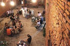 Restós con patios y terrazas para disfrutar de noche- PULPERÍA QUILAPAN (Defensa 1344, San Telmo)
