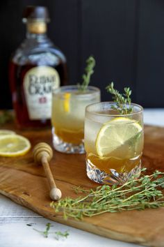 Honey Thyme Bourbon Cocktail | lynseylovesfood.com