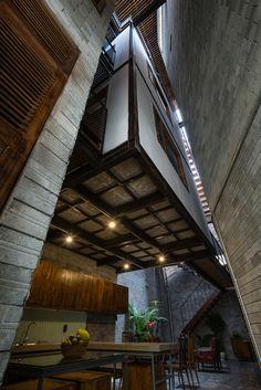 *베트남 젠 하우스 [ H. architecture ] vietnamese zen house an air of monastery Zen House Design, H Design, Residential Architecture, Interior Architecture, Industrial Architecture, Interior Design, Interior And Exterior Angles, Concrete Bricks, Narrow House