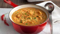 Ensopado de mandioca e camarões, temperado com MAGGI® Caldo de Legumes