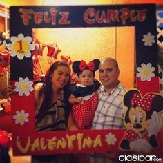 marcos personalizados para fiestas de cumpleaños - Buscar con Google Fiesta Mickey Mouse, Mickey Mouse 1st Birthday, Minnie Mouse Party, Mouse Parties, Boy Birthday, Photo Frame Prop, Picture Frame Decor, Photo Booth Props, Foto Frame