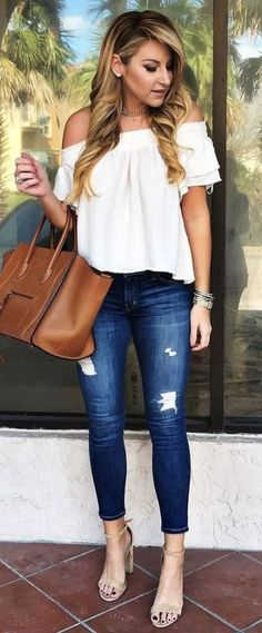 Photo Ootd white top + rips + bag from 50 Flawless Summer Outfits To Wear Right Now Cool Summer Outfits, Spring Outfits, White Top Outfit Summer, Casual Outfits, Fashion Outfits, Womens Fashion, Fashion Trends, Style Fashion, Popular Outfits