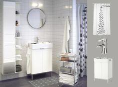 Белая ванная с зеркалом