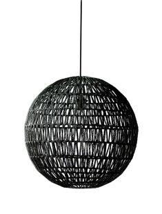 doorsnee 50 cm 75 euro Deze gehaakte hanglamp met bolvorm heeft een open, gehaakte structuur.