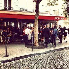 Un vendredi en début de soirée, à Paris.
