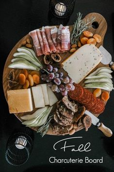 Five tips to make autumn and thanksgiving entertaining easier! Love these simple ideas for cheese and meat trays appetizer and drinks! Meat Trays, Meat Platter, Food Platters, Cheese Platters, Simple Cheese Platter, Meat And Cheese Tray, Plateau Charcuterie, Charcuterie And Cheese Board, Charcuterie Platter