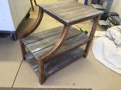 projeto gratuito no blog: Ah! E se falando em madeira...: mesinha com arredondado