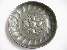 Pewter Wall Plaque Bowl 9 inch Round Raised Fruit Design Metal