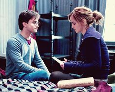 I still can't believe they filmed this and it wasn't in the movie... :(