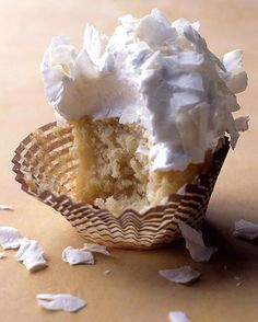 Coconut Cupcakes with Seven-Minute Frosting & Coconut Flakes Coconut Cupcakes
