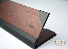 Porta cuentas en madera personalizado para PO Cruises by Menu Shop