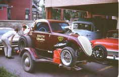 The Reath Automotive altered car, loaded on a two wheel trailer, hooked up to an Olds tow car, jerry can ropd to the trailer. Funny Car Drag Racing, Funny Cars, Car Carrier, Car Trailer, Old Race Cars, Power Cars, Vintage Race Car, Drag Cars, Car Humor