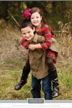 Brother Sister Poses on Pinterest | Adult Sibling Photography ...