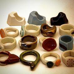 #standoneart #porcelain #coloredporcelain #porcelainjewelry #rings #handmadejewelry #ceramic #seramik #colorful #glazedporcelain #porselen #porselenyüzük #porselentakı #etsy #etsyjewelry