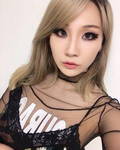 "159 curtidas, 3 comentários - CL, Dara & Bom Updates~Fanpage (@blackjacksaregzb) no Instagram: ""She's so cute  . #cl #chaelin #chaerin #leechaelin #leechaerin #2ne1"""