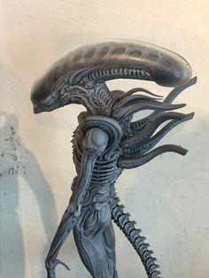 From Roswell Japan Alien big chap bust statue Giger Art, Hr Giger, Predator Art, Alien Vs Predator, Alien Cosplay, Giger Alien, Alien 1979, Alien Concept Art, Samurai Art