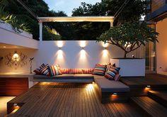 Small urban garden design – ideas for the modern outdoor space - Decoration 2 Modern Courtyard, Courtyard Design, Deck Design, Courtyard Gardens, Balcony Design, Modern Deck, Modern Backyard, Courtyard Ideas, Rooftop Gardens