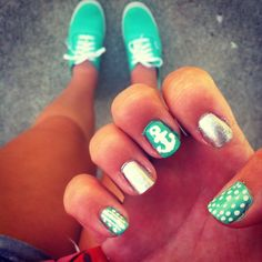 Mint anchor nails with matching vans ⚓