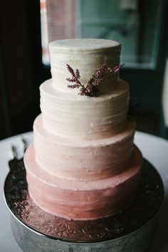 great colours in this ombre cake