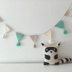 beig blanco mint banderola de crochet handmade kids deco pipolart cojin mapache Crochet Bunting, Love Crochet, Crochet Yarn, Crochet Wall Art, Crochet Wall Hangings, Yarn Projects, Crochet Accessories, Crochet Patterns, Textiles