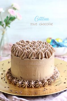 All chocolate tiered cake {for Easter} Christmas Desserts, Christmas Traditions, Noel French, Breakfast Dessert, French Pastries, Brownie Cookies, Drip Cakes, Tiered Cakes, Afternoon Tea