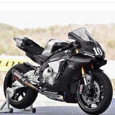 Yamaha R1 GP Track Bike