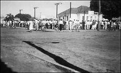 Guaraci divisa com Minas: Junho 2014   Ginásio Estadual de Guaraci instalado no ano letivo de 1957 _ destaque para a iluminação da quadra esportiva, inaugurada em setembro desse mesmo ano.