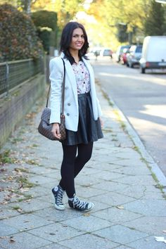 Lederrock + Sneakers: Fashion Monger zeigt uns eine tolle Tageskombi!